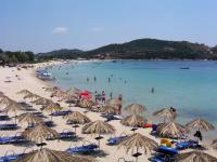 Η παραλία Αλυκές στην Αμουλιανή