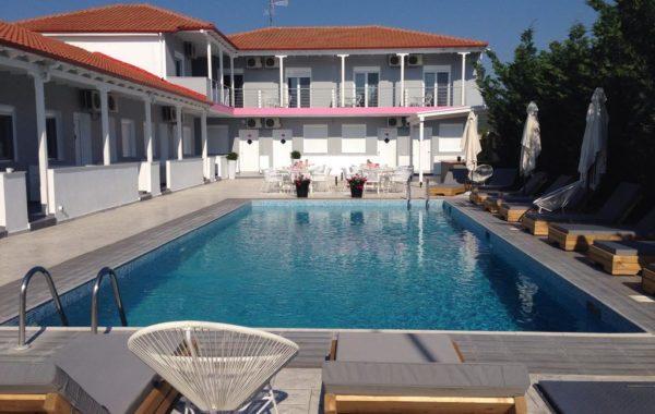 Philoxenia Suites - Hotel in Paralia Vrasna - Vrasna Beach - Rent Rooms - www.strymonikos.net