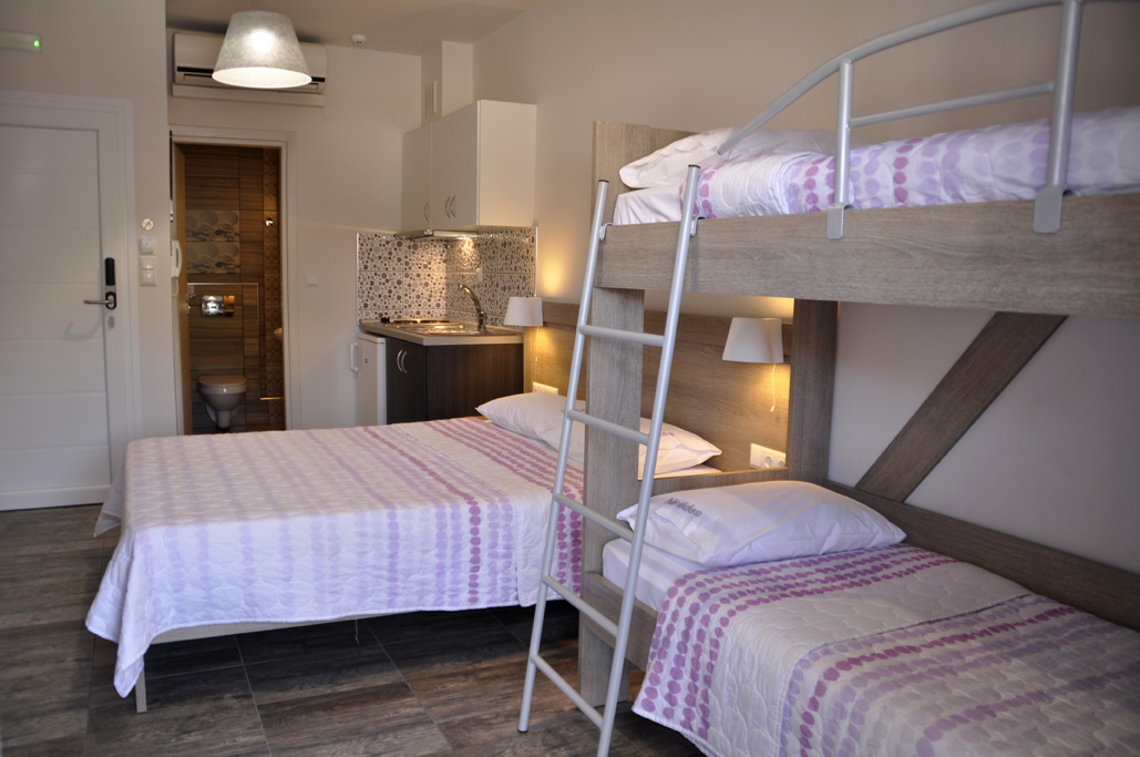 Hotel Niriides In Nea Vrasna Rent Rooms Apartments
