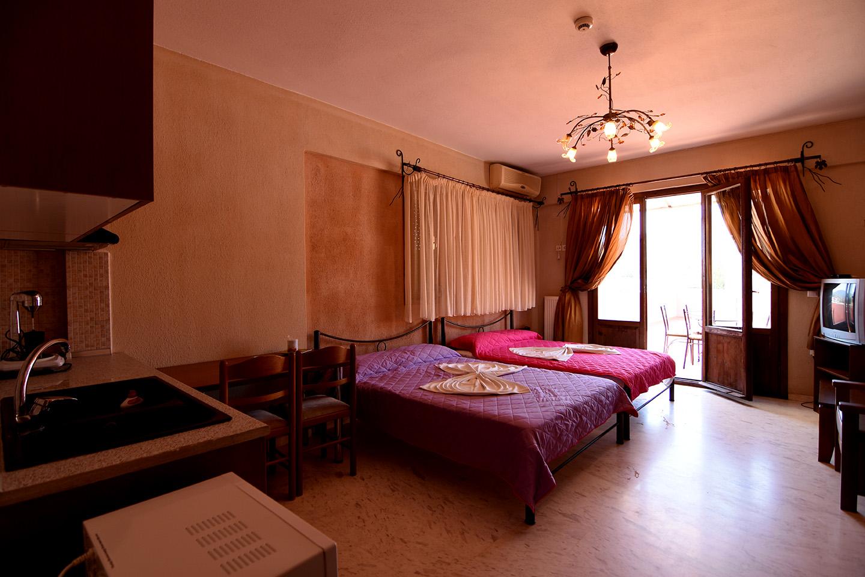 Zanet Palace Nea Vrasna Rent Rooms  Apartments