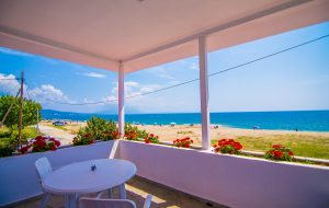 Efi's Villa on the beach Nea Vrasna
